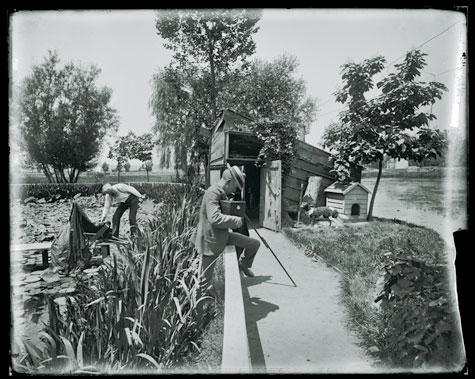Photo shoot near the fish ponds on the Washington Monument grounds, between 1886 and 1906, by Uniden